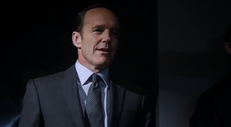 Agent Coulson steps into the light in the opening moments of Agents of S.H.I.E.L.D. (Source: ScreenCrush)