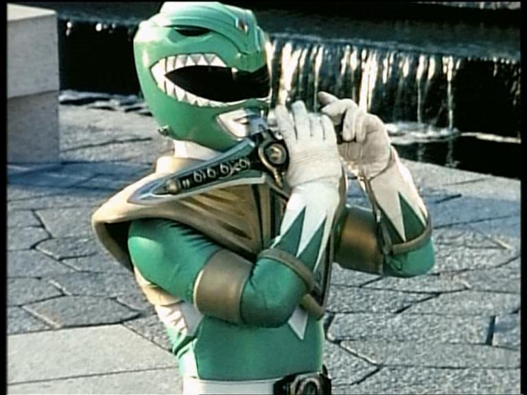 The Green/Dragon Ranger (Source: supersentaiimages.blogspot.com)