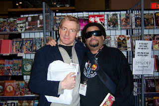 Chris Weston and Steve Bunche at the 2007 New York Comic-Con. (Photo from Weston's blog.)