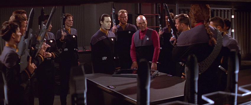 Post-359 Starfleet features a lot more rifles.