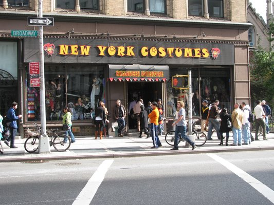 this month they got spooked and scurred at new york costumes in manhattans union square - Halloween Stores Ny