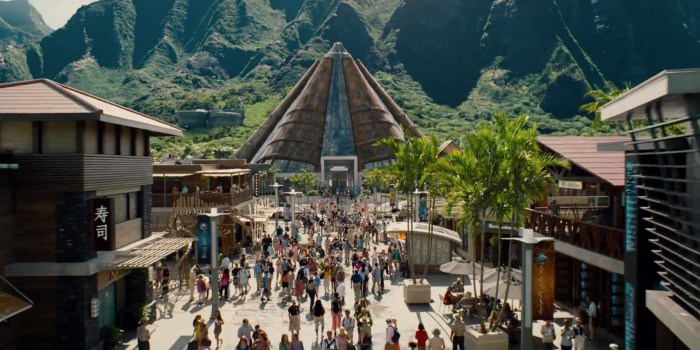 Jurassic-World-Trailer-Still-8-700x350