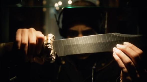 Gotham_Season_2_Scarification_Knife_In_Safe-590x900