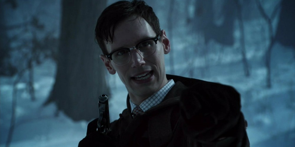 Cory-Michael-Smith-in-Gotham5