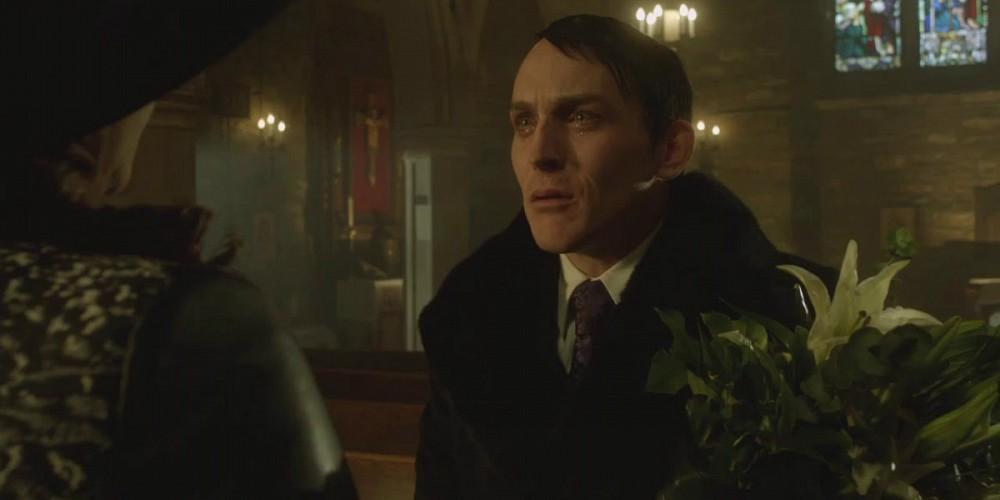 Robin-Lord-Taylor-in-Gotham4